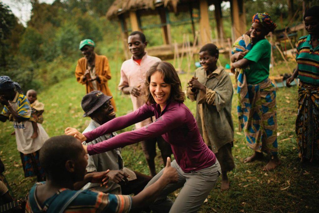 Dancing-perfomances-with-Batwa-pygmy-community